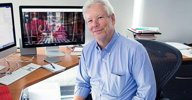 Giáo sư Mỹ giành Nobel kinh tế 2017
