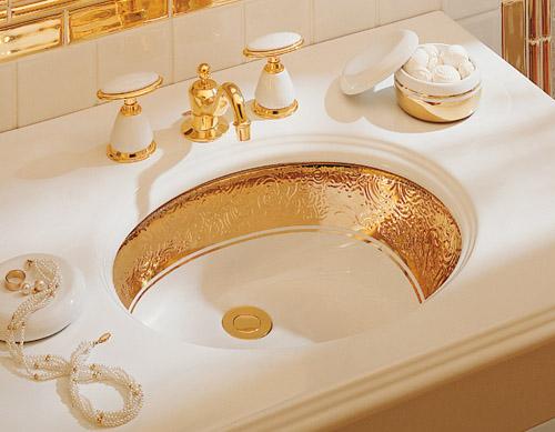 Nội thất dát vàng trong căn hộ triệu đô ở Hà Nội