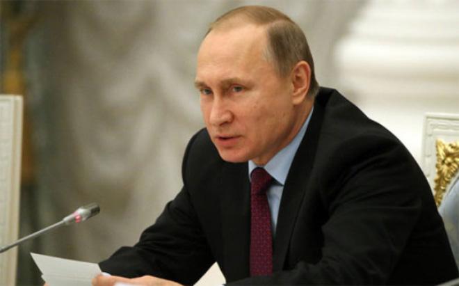 """Ông Putin bị """"điểm kém"""" về điều hành kinh tế"""
