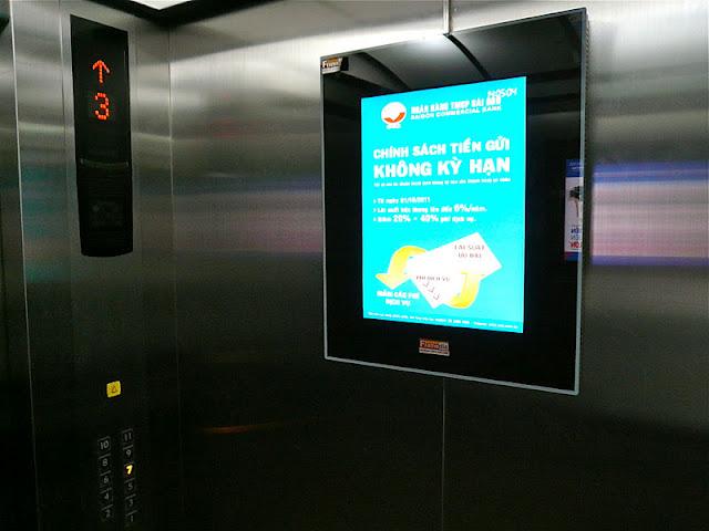 Quảng cáo trong thang máy chung cư có trái luật?