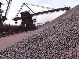 Giá quặng sắt giảm xuống mức thấp nhất trong 3 tháng qua