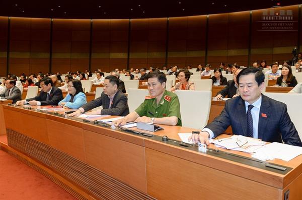 Quốc hội thông qua nghị quyết phát triển KT-XH giai đoạn 2016-2020