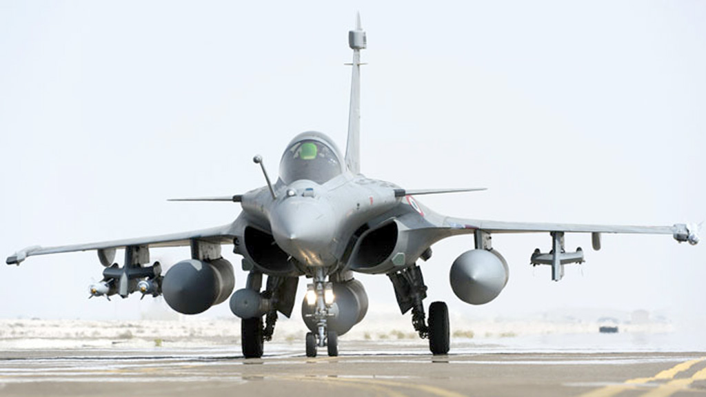 mot chien dau co rafale do phap san xuat afp