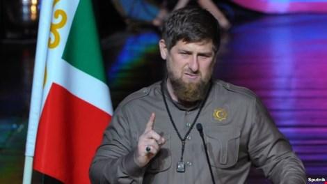 """ong ramzan kadyrov - mot dong minh cua tong thong vladimir putin da goi phe doi lap cua nuoc nga la """"ke thu cua nhan dan""""."""