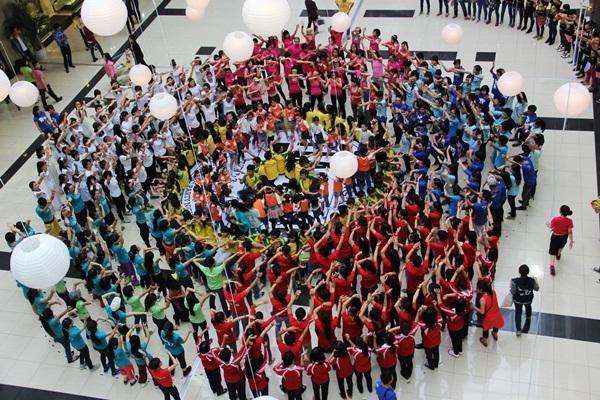 Ngập tràn sắc màu tuổi trẻ tại Trung tâm thương mại Savico Megamall