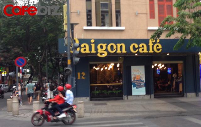 saigon cafe tai pho di bo nguyen hue.