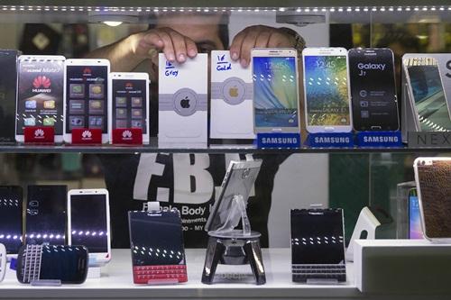 Bloomberg phân tích tác động đến kinh tế Việt Nam khi Samsung quyết định giảm sản lượng smartphone