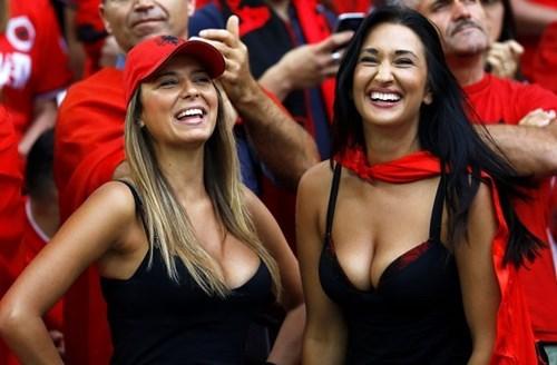 ve dep dam say nhu mat ngot cua nu co dong vien albania.