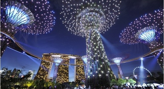 Vì đâu đất nước nhỏ bé như Singapore thành trung tâm tài chính - kinh doanh của thế giới?