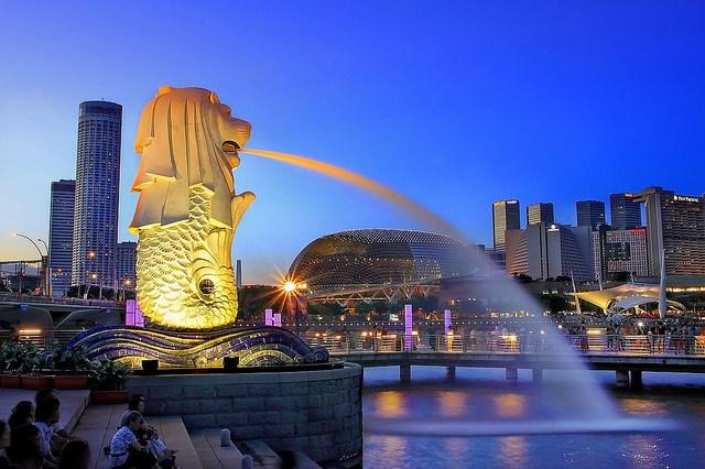 Bảy bài học từ người láng giềng Singapore