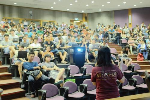 chinh phu singapore ho tro doanh nghiep khoi nghiep. anh: techinasia.com