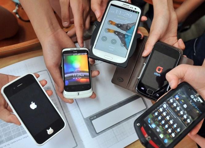 thuong hieu smartphone duoc ban ra nhieu nhat the gioi van thuoc ve samsung va apple - anh: afp