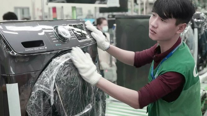 Samsung, LG tại Việt Nam bị kiện