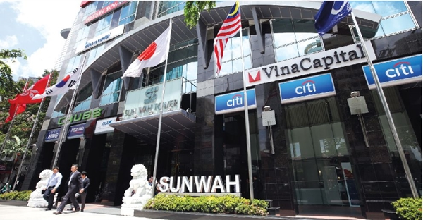tap doan nhat nomura real estate asia bat ngo thau tom 24% von trong toa nha van phong hang a sunwah tower. anh: quy hoa