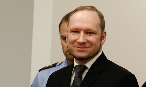 ga khung bo anders behring breivik.