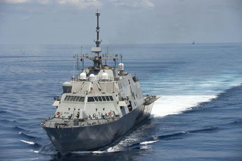 Trung Quốc sẽ phải 'ngậm bồ hòn' nhìn chiến hạm Mỹ áp sát đảo nhân tạo