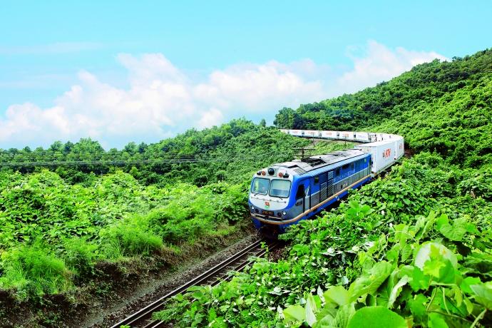 Quản lý, sử dụng và kinh doanh tài sản kết cấu hạ tầng đường sắt: Thực trạng và giải pháp