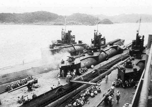 I-400 - tàu ngầm lớn hơn sân bóng đá của Nhật