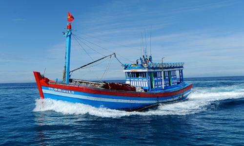 Tin tức tình hình Biển Đông tối 06-12-2017: Ngư dân Việt Nam trắng tay sau cú đâm đoạt mạng của Tàu Trung Quốc ở vùng Biển quần đảo Hoàng Sa của Việt Nam