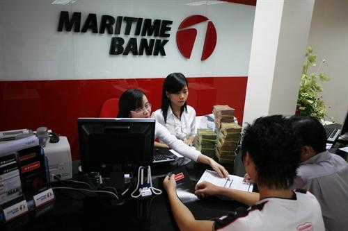 Lợi nhuận ngân hàng: Phấp phới và phập phù