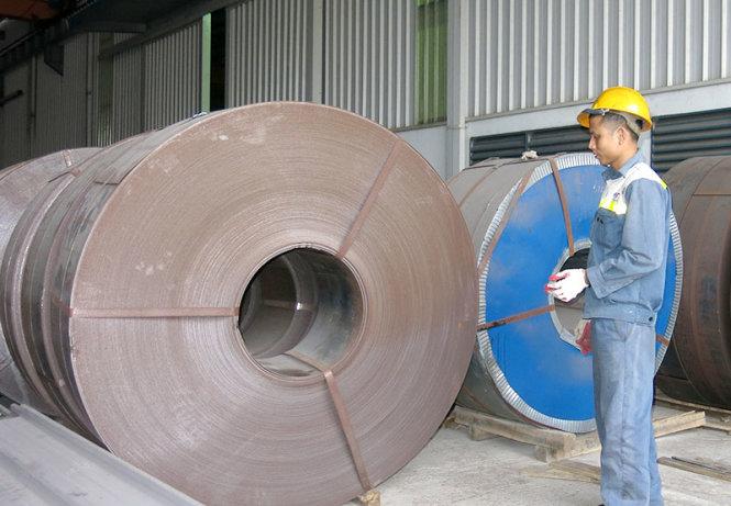 Thép Việt bị thép Trung Quốc giá rẻ tấn công