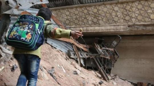 Nga không kích quân nổi dậy gần TP Aleppo. Ảnh: AP