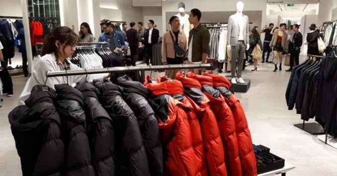 Nhãn hàng thời trang lớn 'đổ bộ', doanh nghiệp Việt có bị mất sân?