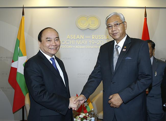 """Thủ tướng """"gỡ khó"""" cho doanh nghiệp đầu tư vào ASEAN ngay trên đất Nga"""