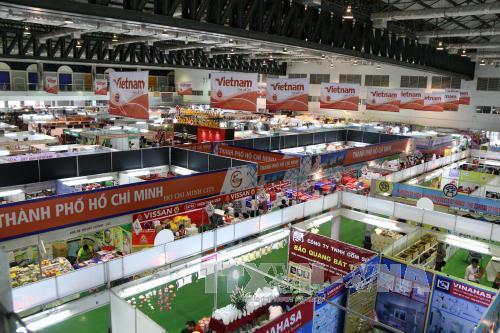 Đưa kim ngạch thương mại Việt Nam - Lào tăng 10%