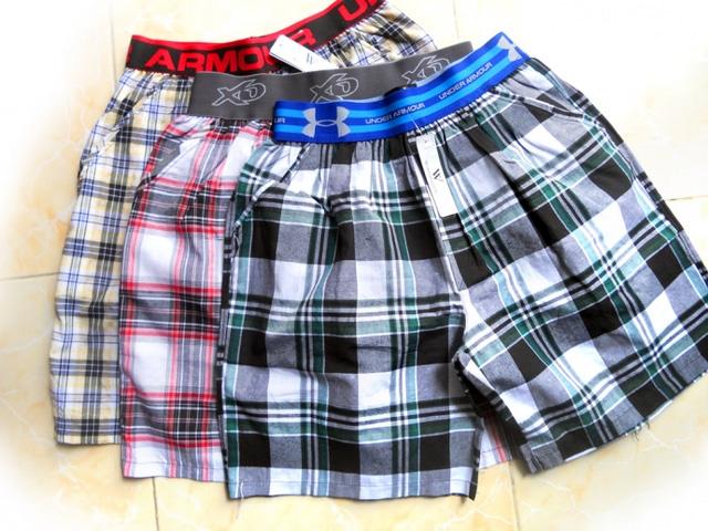 Thưởng Tết bằng ...gạch, quần đùi
