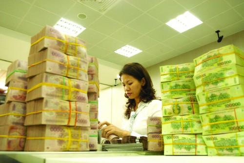 Tiền trong các thương vụ bất động sản