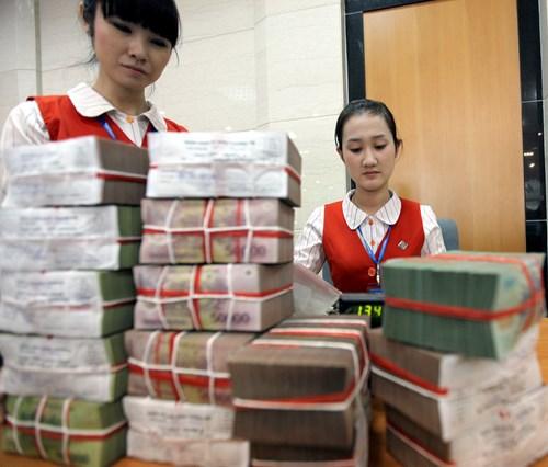 Bộ Tài chính vay 30.000 tỉ đồng: In tiền sẽ gây áp lực nợ công