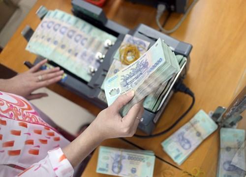 Bộ Tài chính vay 30.000 tỉ đồng: Đảo nợ, đi vay mãi thì ai trả?