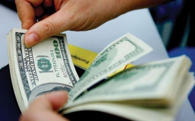 Ngân hàng gửi USD được hưởng lãi suất tới hơn 2%/năm