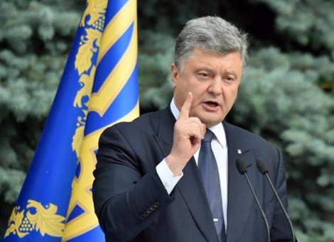 tong thong ukraine petro poroshenko. nguon: cbs news