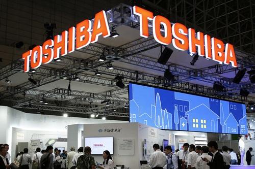 Toshiba báo lỗ sau bê bối kế toán
