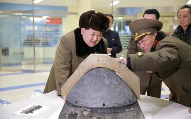 """Mỹ siết trừng phạt Triều Tiên, Trung Quốc """"nổi đóa"""""""