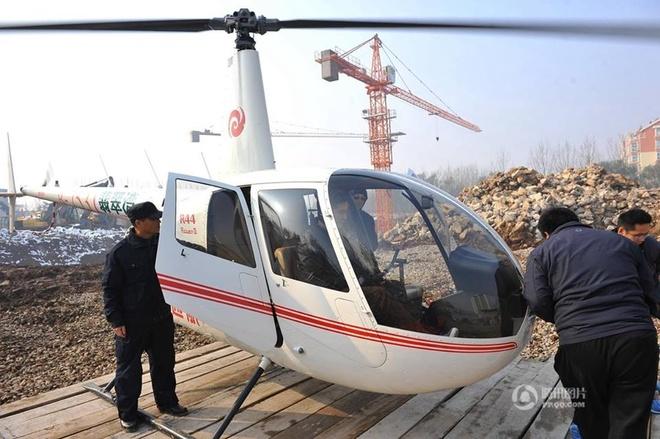 Khách hàng bay trực thăng xem mua nhà