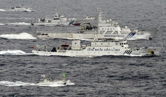 """""""Không khí thù địch"""" giữa Trung - Nhật làm dậy sóng Hoa Đông"""