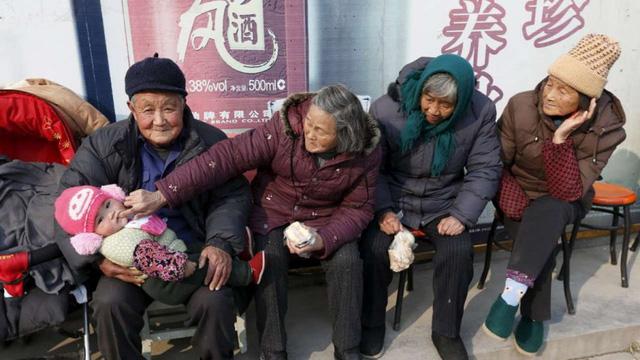 Trung Quốc khai gian số dân - quả bom nổ chậm toàn cầu