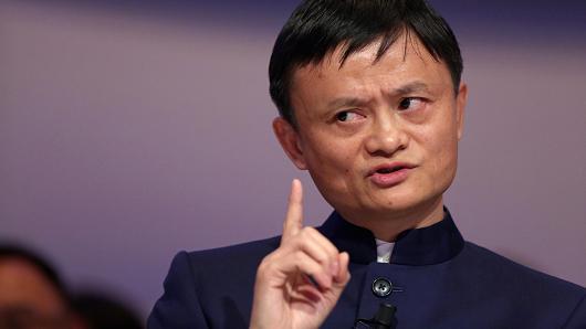 """Tỷ phú Jack Ma tiếp tục """"soán ngôi"""" người giàu nhất châu Á"""
