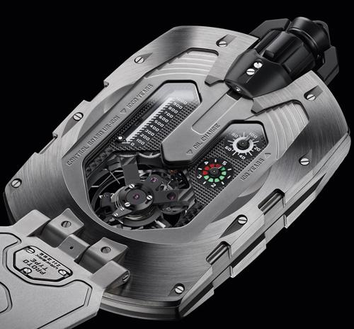 Bảng Control Board giống với các siêu xe thể thao cho phép hiển thị cơ chế oil-change và chỉ báo hoạt động của đồng hồ tới 1000 năm cùng cơ chế Carrousel phức tạp.