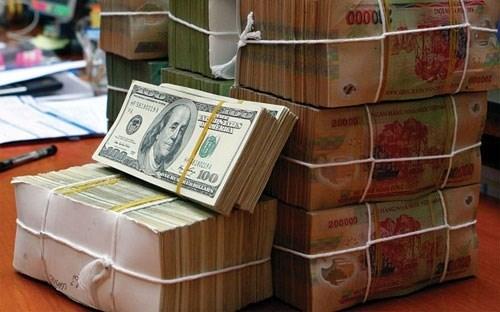 Ngân hàng lại đồng loạt tăng giá USD