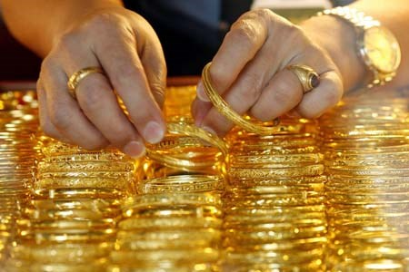 Giá vàng tuần này (24-30/08) dự báo tăng mạnh do bất ổn thị trường tài chính toàn cầu