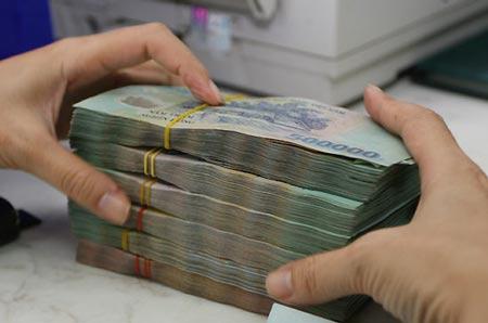Làm gì để lỡ vợ bị đột quỵ, chồng vẫn rút được tiền tiết kiệm