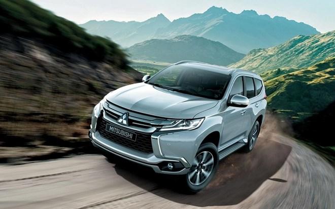 Giá xe Mitsubishi mới nhất tháng 11/2017: Giảm để tăng doanh số