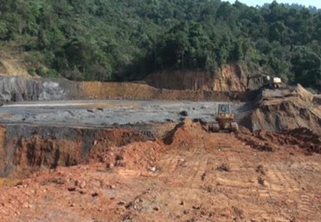 Tước quyền sử dụng giấy phép 4 doanh nghiệp khai thác khoáng sản