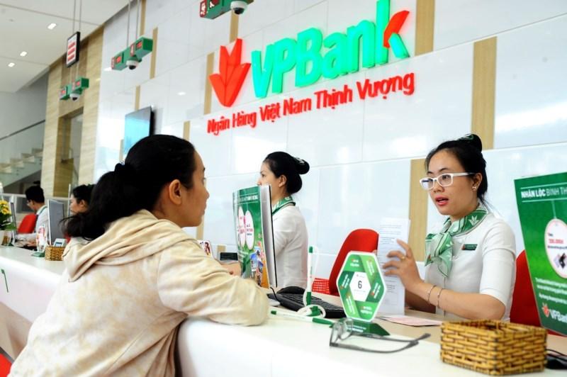 Cổ phiếu VPBank lên sàn: lượng mua gấp bốn lần bán - ảnh 1