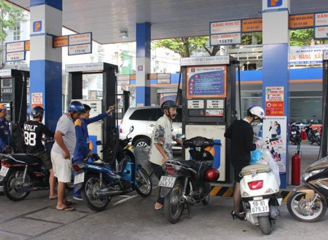 Ngày 18/12, giá xăng dầu sẽ giảm mạnh như thế nào?