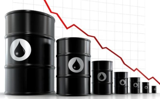"""Giá dầu """"lao dốc"""", Việt Nam đang ở đâu trên bản đồ giá xăng thế giới?"""